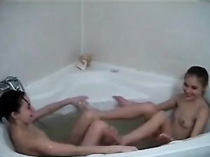 Kissing Teenagers In The Bathtub Suck Tits Too