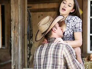 Erotic Outdoor Hardcore With The Gorgeous Cowgirl