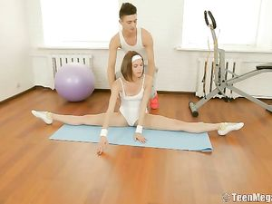 Flexible Teen Does A Split And Gets Fucked Balls Deep
