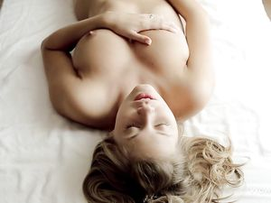 Beautiful Solo Teen With Great Tits Masturbates