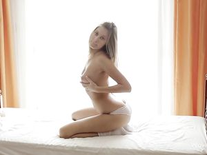 Beautiful Solo Teen With Great Tits Masturbates