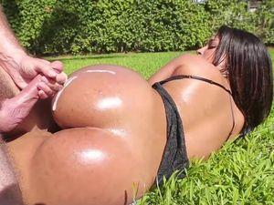 Big Butt Slut Ava Sanchez Fucked In The Pool